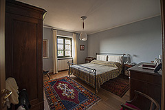 Country property for sale in Piemonte - Spacious bedroom