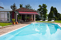 Luxusimmobilie zum Verkauf im Piemont, Italien - Pool area