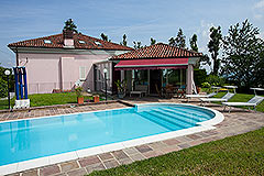 Luxury Property for sale in Piemonte Italy - Pool area