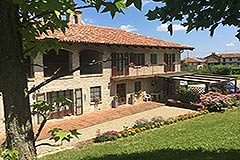 Italian farmhouse for sale in Piemonte - Built from local stone