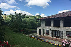 Italian farmhouse for sale in Piemonte - Rural position