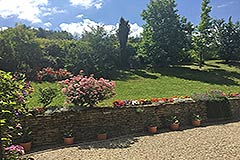 Italian farmhouse for sale in Piemonte - Garden area
