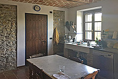 Italian farmhouse for sale in Piemonte - Kitchen area