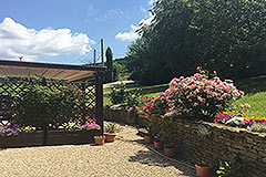 Italian farmhouse for sale in Piemonte - Part of the gardens