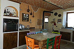 Restored Character House with Barn for sale in Piemonte - Kitchen dining area