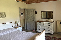 Restored Character House with Barn for sale in Piemonte - Bedroom