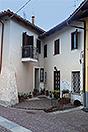 Village house in the prestigious town of Serralunga d'Alba - Entrance