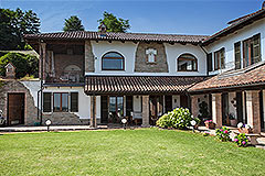 Prestigious Country Home for sale in Piemonte - Traditional L shape