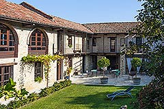 Luxuriöses Steinhaus zum Verkauf im Piemont. - Traditional Country Home