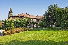 Luxuriöses Steinhaus zum Verkauf im Piemont. - Spacious garden areas
