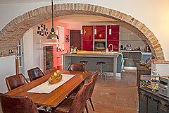 Luxuriöses Steinhaus zum Verkauf im Piemont. - Dining area