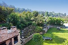 Luxuriöses Steinhaus zum Verkauf im Piemont. - Front garden