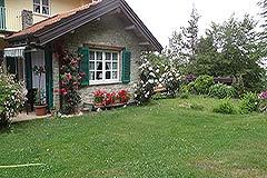 Italian Villa for sale in Piemonte Italy - Garden area