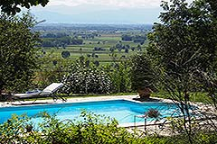 Luxury House for sale in Piemonte - Views from the pool