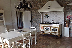 Cascina in vendita in Piemonte - Kitchen dining area