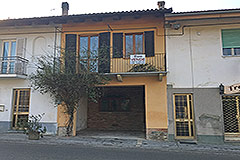 Village House for sale in Piemonte - Entrance