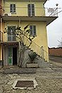 Village House for sale in Govone - Side view