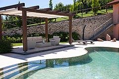 Country Estate for sale in Piemonte - Villa pool area