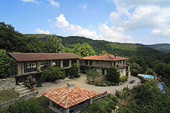 Country Estate for sale in Piemonte Italy - Delightful country estate for sale in the Alta Langa Hills