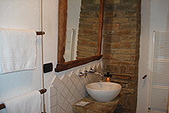 Country Estate for sale in Piemonte Italy - Bathroom