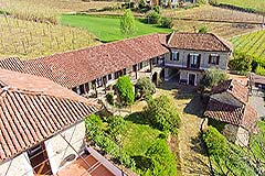 Country Estate with Vineyard and Swimming Pool - Traditional L shape