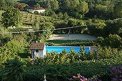 Country Estate with Vineyard and Swimming Pool - Pool area