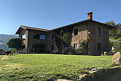 Luxury Property for sale in Piemonte Italy - Traditional L shape