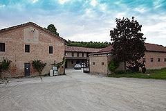 Storico mulino che risale al XVII secolo in vendita in Piemonte - Front View
