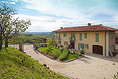 Country House for sale in the Langhe region of Piemonte - Elevated position