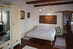 Langhe Stone House for sale in Piemonte. - Bedroom