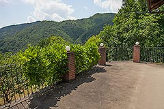 Langhe Stone House for sale in Piemonte. - Terrace