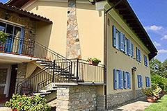 Luxuriöses Steinhaus mit Schwimmbad zum Verkauf im Piemont - Front view