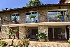 Luxuriöses Steinhaus mit Schwimmbad zum Verkauf im Piemont - Terrace area