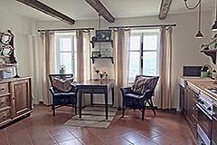 Luxuriöses Steinhaus mit Schwimmbad zum Verkauf im Piemont - Kitchen dining area
