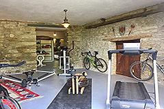 Luxuriöses Steinhaus mit Schwimmbad zum Verkauf im Piemont - Sports room