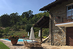 Luxury Stone Property with Swimming Pool for sale in Piemonte - Pool area