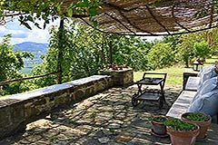 Luxury Stone Property with Swimming Pool for sale in Piemonte - Terrace area