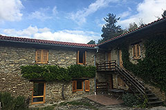 Italian Farmhouse for sale in Piemonte - L shape property