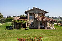 Luxusimmobilie zum Verkauf im Piemont. - Side view