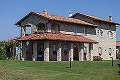 Luxusimmobilie zum Verkauf im Piemont. - Front view