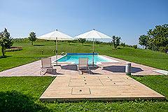 Luxusimmobilie zum Verkauf im Piemont. - Pool area