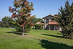 Luxusimmobilie zum Verkauf im Piemont. - Spacious garden area
