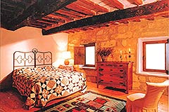 Group of Stone Houses for sale in Piemonte - Exposed wooden ceiling