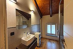 Lussuosa proprietà in vendita in Piemonte - Exposed wooden ceiling