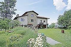 Restored Langhe Stone Farmhouse  in Piemonte - Back view