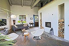 Restored Langhe Stone Farmhouse  in Piemonte - Living area