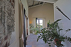 Restored Langhe Stone Farmhouse  in Piemonte - High quality interior