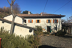 Italian Farmhouse for sale in Piemonte - Tranquil position
