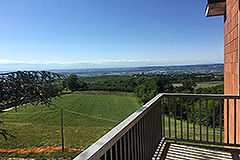 Spacious apartment with spectacular views for sale in Barolo - Balcony