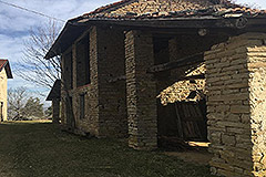 Part Restored Stone Farmhouse with Barn for restoration for sale in Piemonte - Rustic barn
